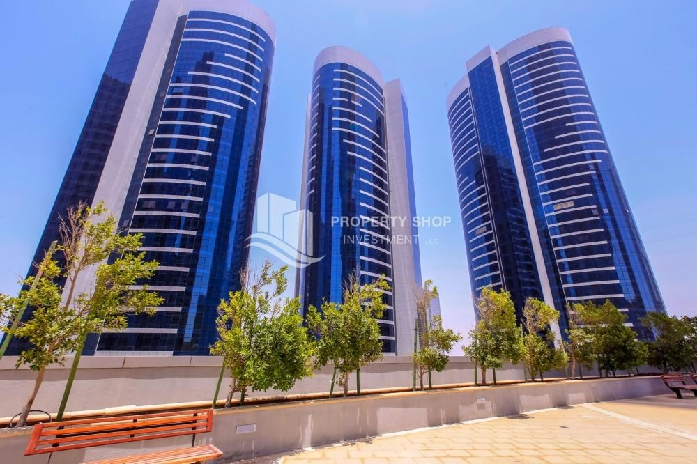 Property - Mid Floor Unit with Sea View + Parking.