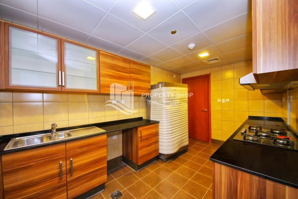 Kitchen - 3 + M with balcony and sea view for rent