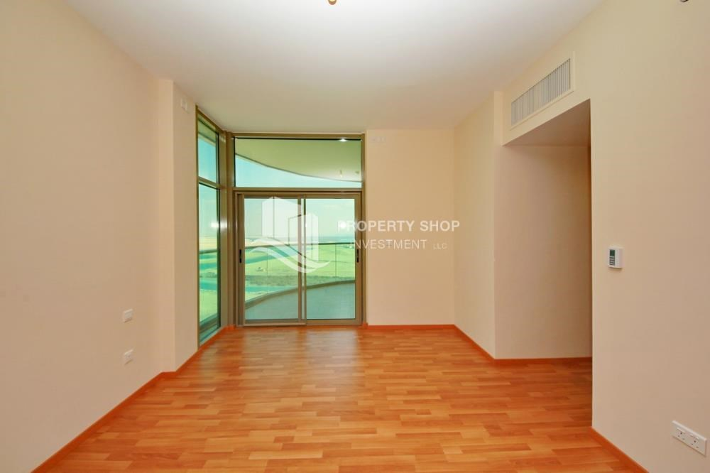 Bedroom - Large Apt on high floor with full facilities.