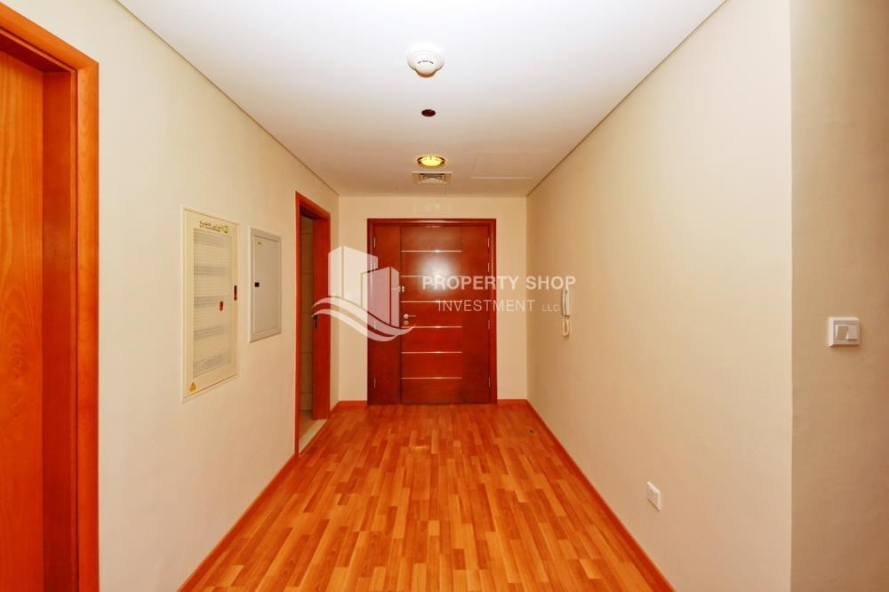 Hall - Large Apt on high floor with full facilities.