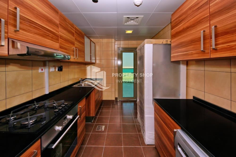Kitchen - Large Apt on high floor with full facilities.