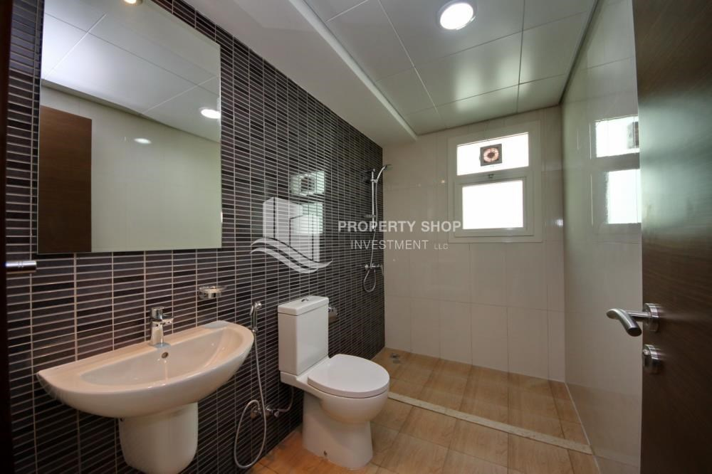 Bathroom - Luxury on your doorstep! 3+1 Villa with spacious garden.