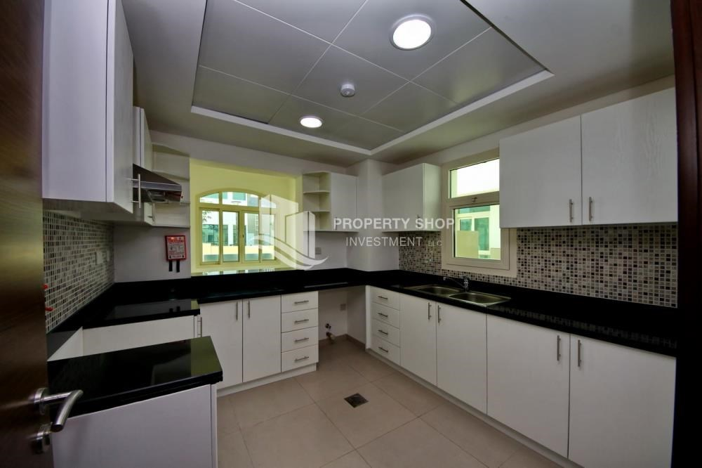 Kitchen - Luxury on your doorstep! 3+1 Villa with spacious garden.