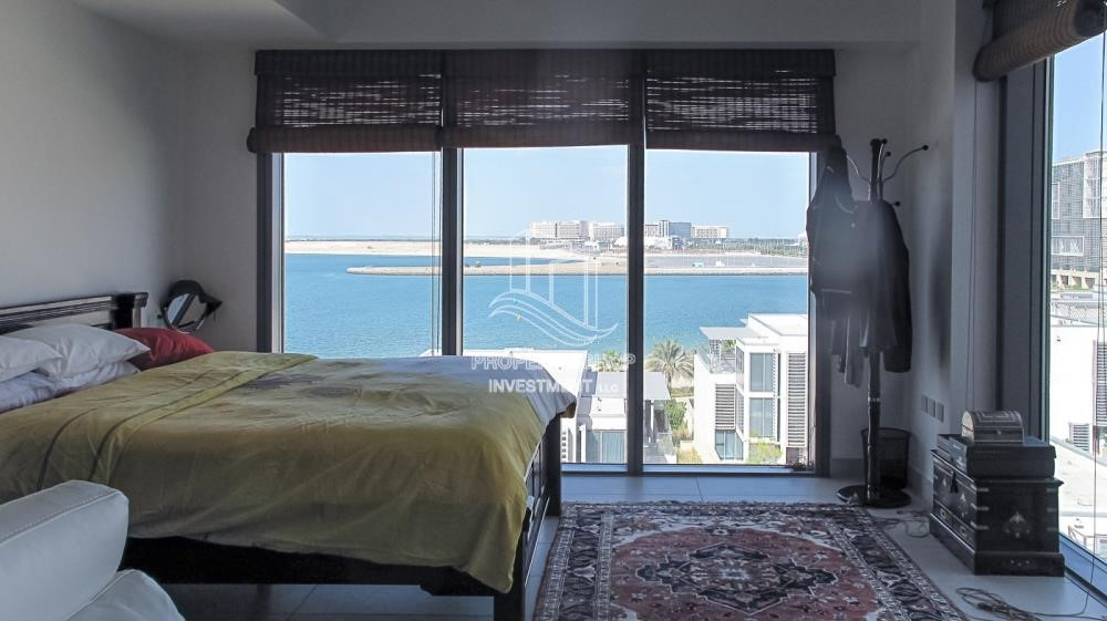 Bedroom - Elegant and huge 6 + M villa with sea view and private pool!