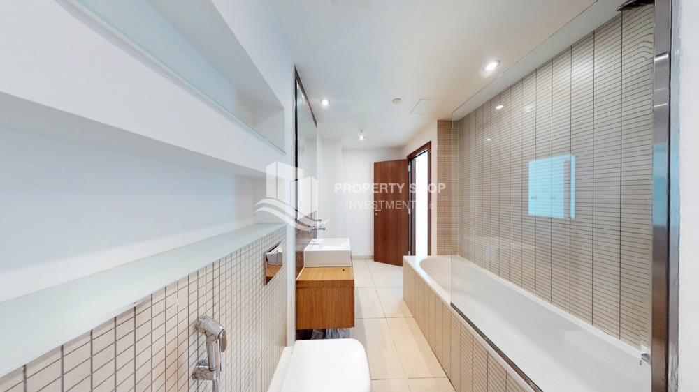 Master Bathroom - 2 Bedroom Apartment in For RENT!