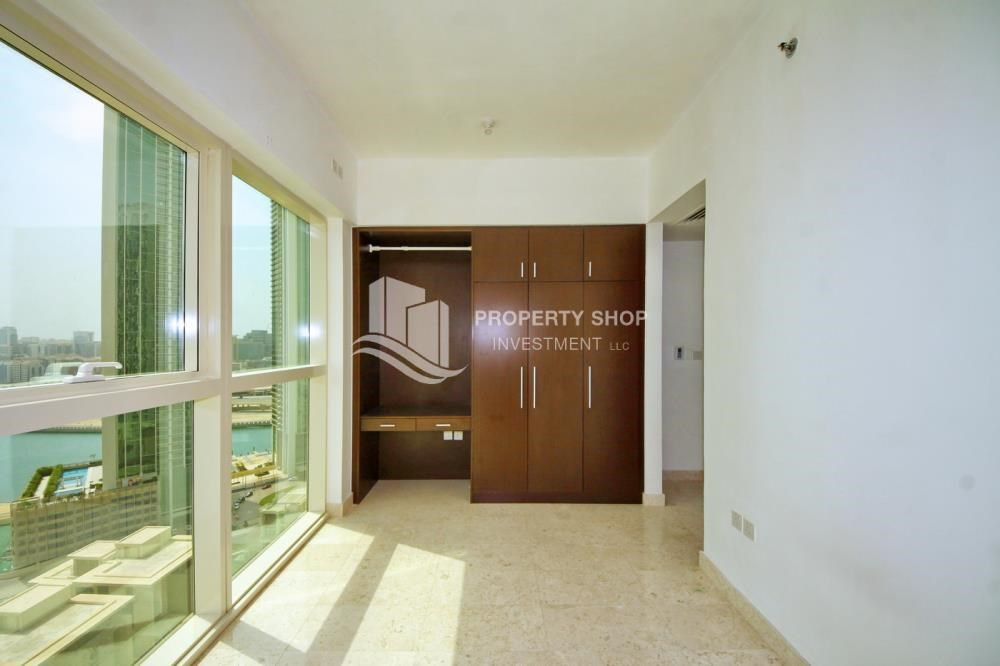 Built in Wardrobe - Vacant 1BR Apt, High floor  with Balcony + Walk-in Closet.