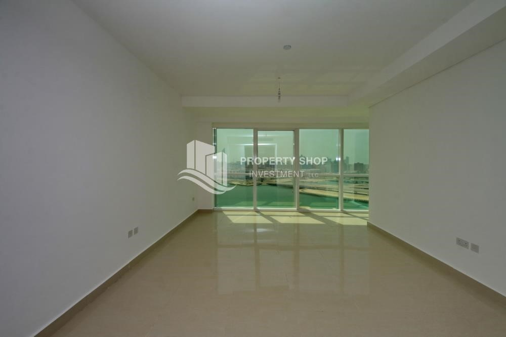 Bedroom - Vacant 2BR Apt on Mid-floor offered for 4 Cheques!