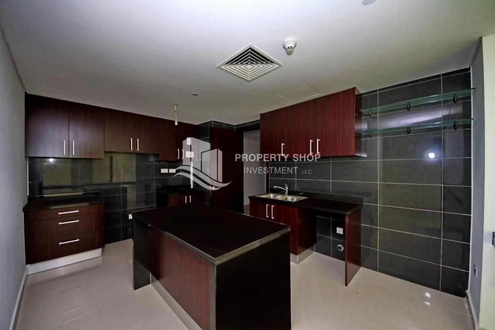 Kitchen - Hot deal! 3BR+ maid APT with Full Marina View