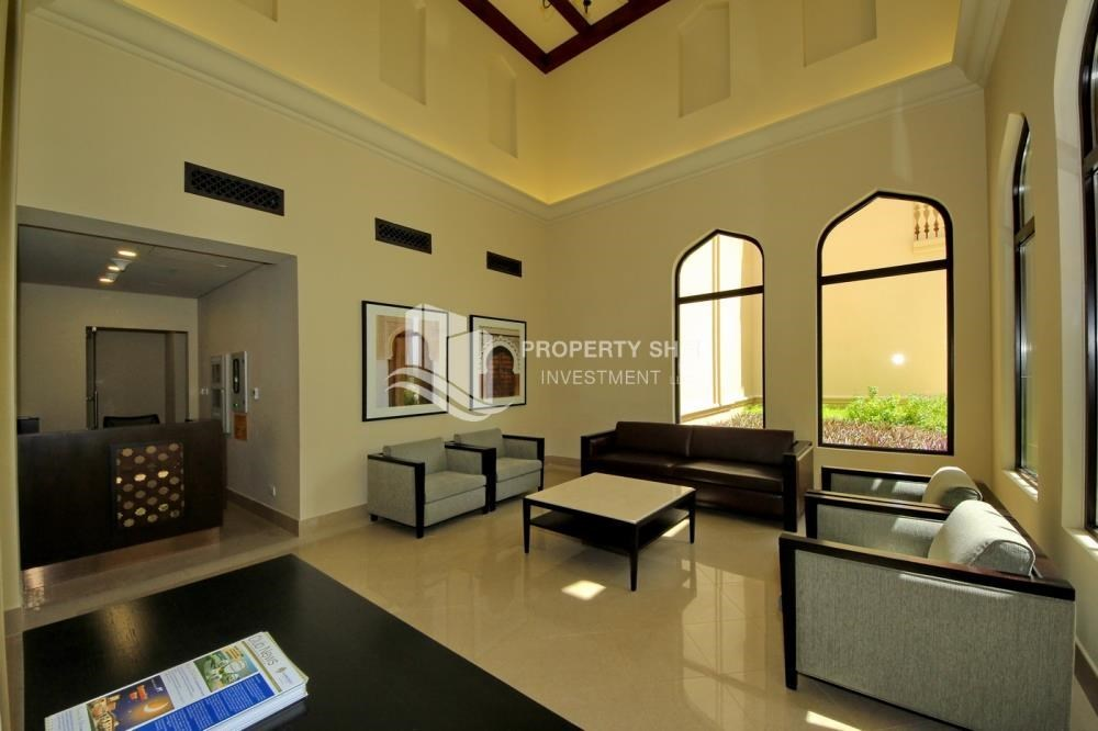 Lobby - High end Apt upto 4 Payments + 1 Month Rent Free.