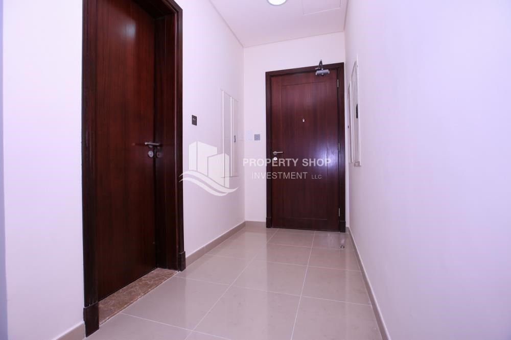 Foyer - Spacious 2BR Apt with High Investment Returns.