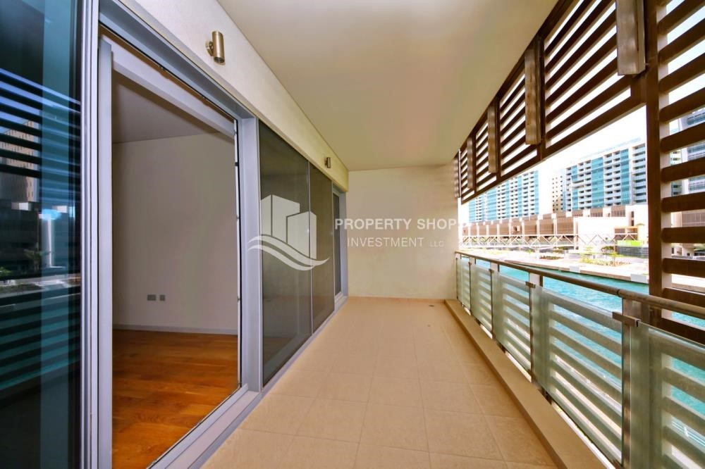 Balcony - A Prestigious 4BR Townhouse plus 2% Rent Free + 1 Month Rent Free in Al raha Beach!