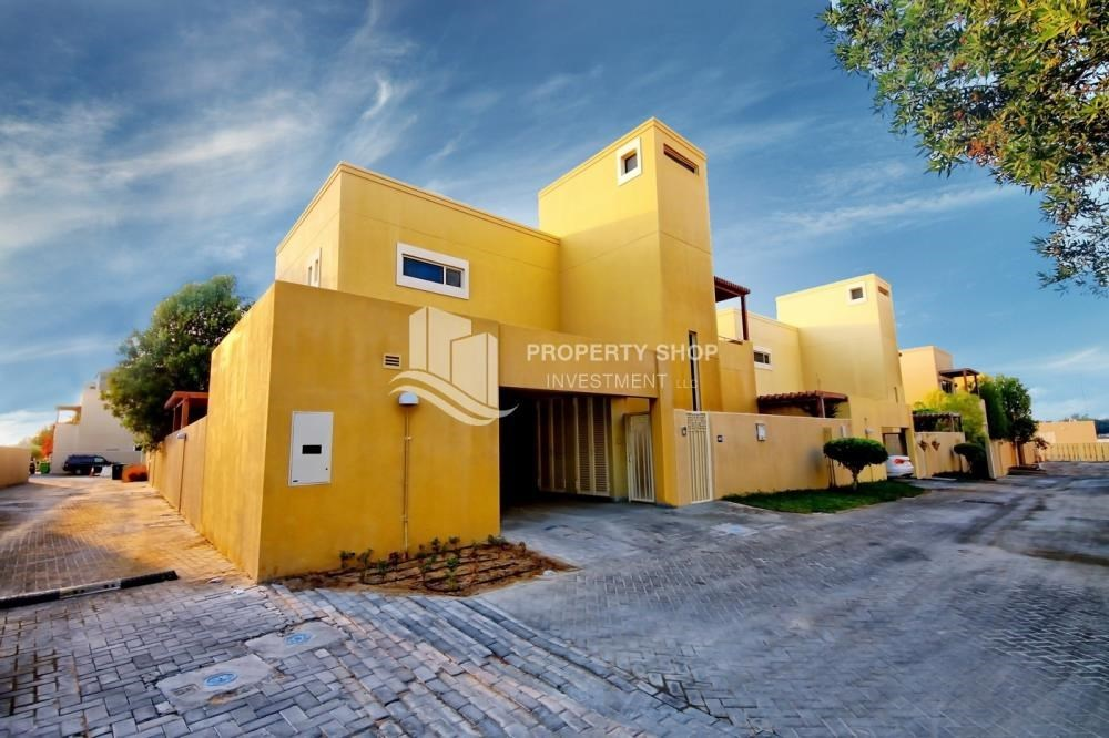 Property - High End Corner Villa with Family Living