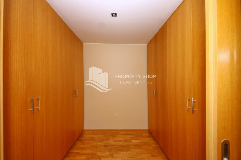 WalkIn Closet - High End Corner Villa with Family Living