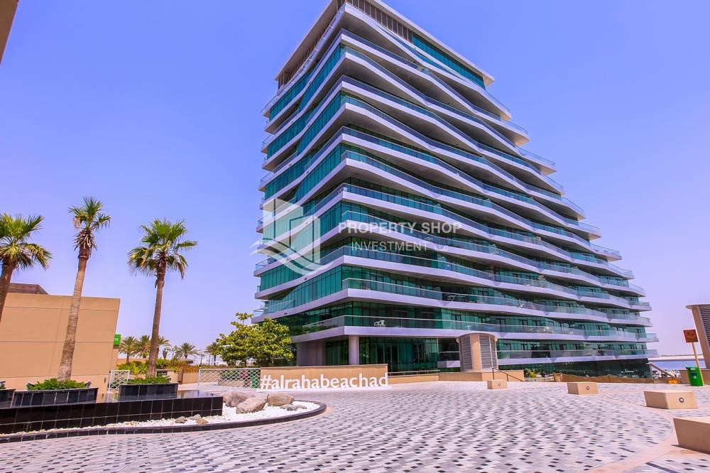 Property -  2 bedrooms with an  amazing view  in al bandar for sale