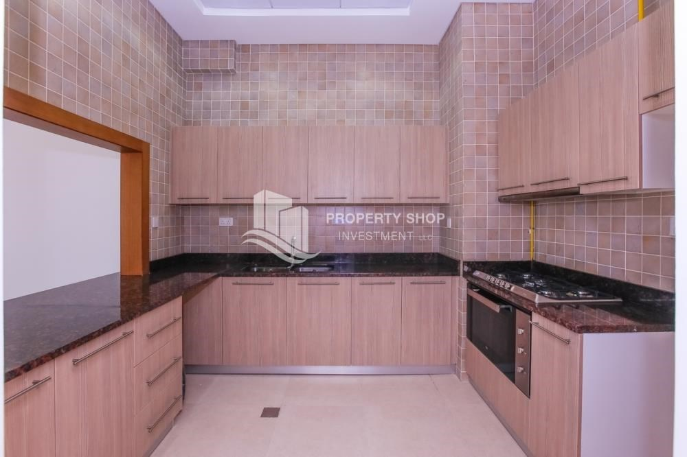 Kitchen - 3 bedroom apartment for sale in Ansam.