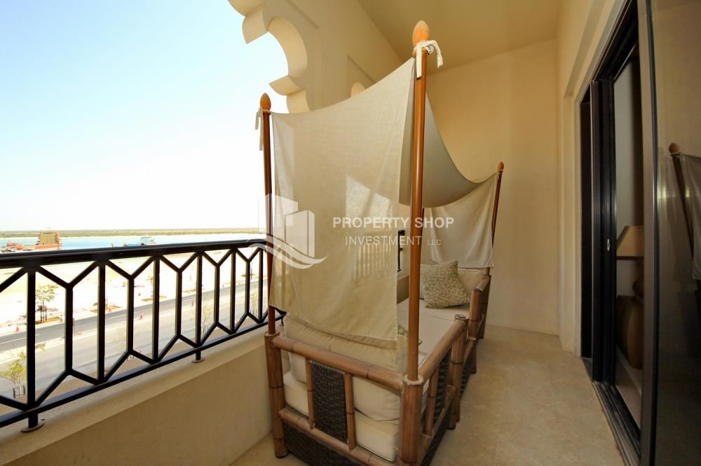Balcony - Biggest Apt with 1 Month Rent free + upto 4 Payments.