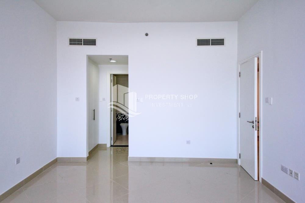 Bedroom - High floor 1BR Apt with Luxury Facilities.