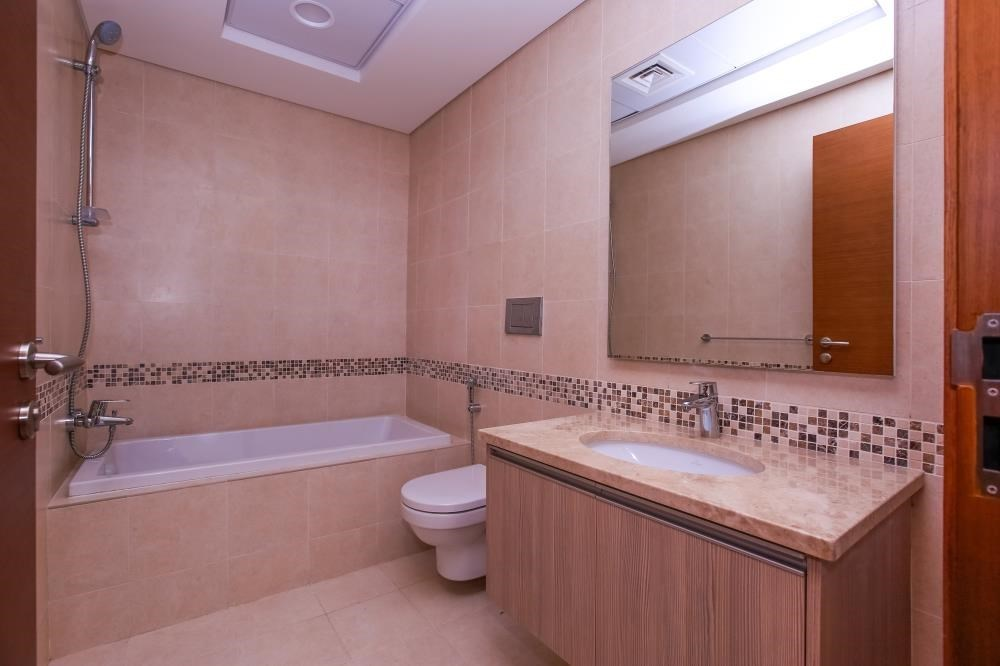 Bathroom - Experience luxury in this exquisite property in Ansam.