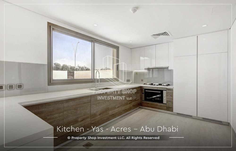 Kitchen - Live next to world attraction! Duplex townhouse with spacious family room