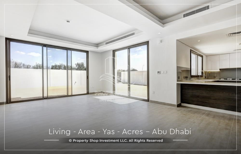 Living Room - Live next to world attraction! Duplex townhouse with spacious family room