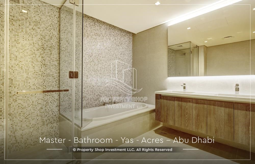 Master Bathroom - Live next to world attraction! Duplex townhouse with spacious family room