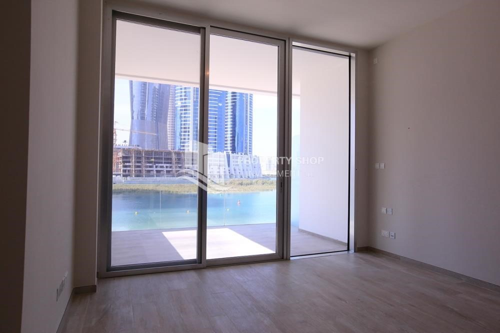 Bedroom - Luxurious 3+M BR Apt with Private Terrace/Garden.