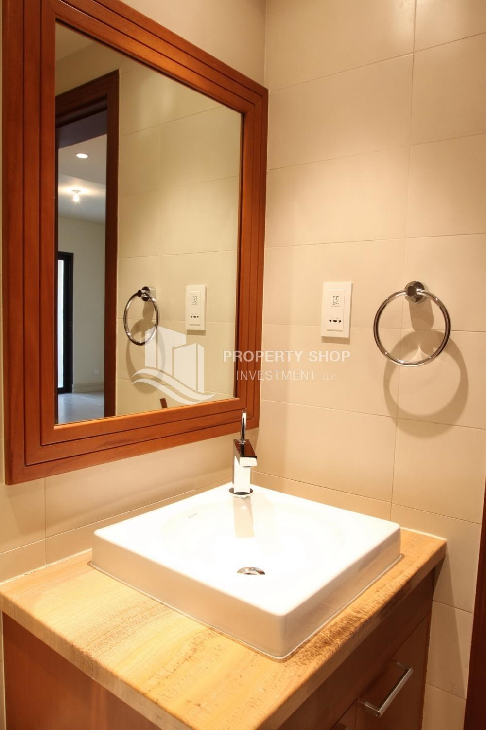 Bathroom - 1 Bedroom Apartment in Amazing and beautiful Saadiyat Beach Apartments FOR RENT!