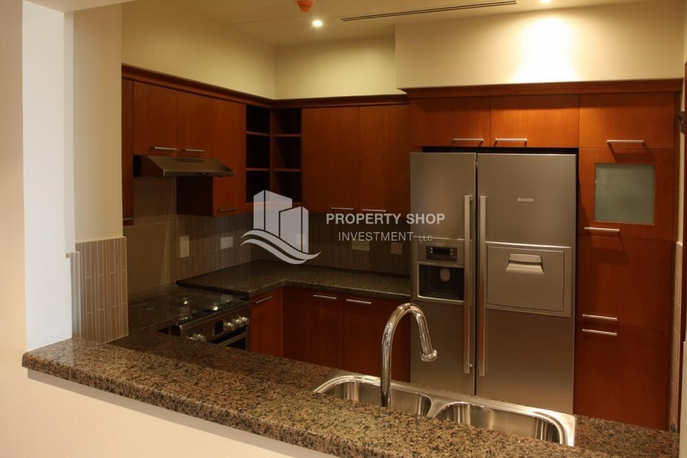 Kitchen - 1 Bedroom Apartment in Amazing and beautiful Saadiyat Beach Apartments FOR RENT!