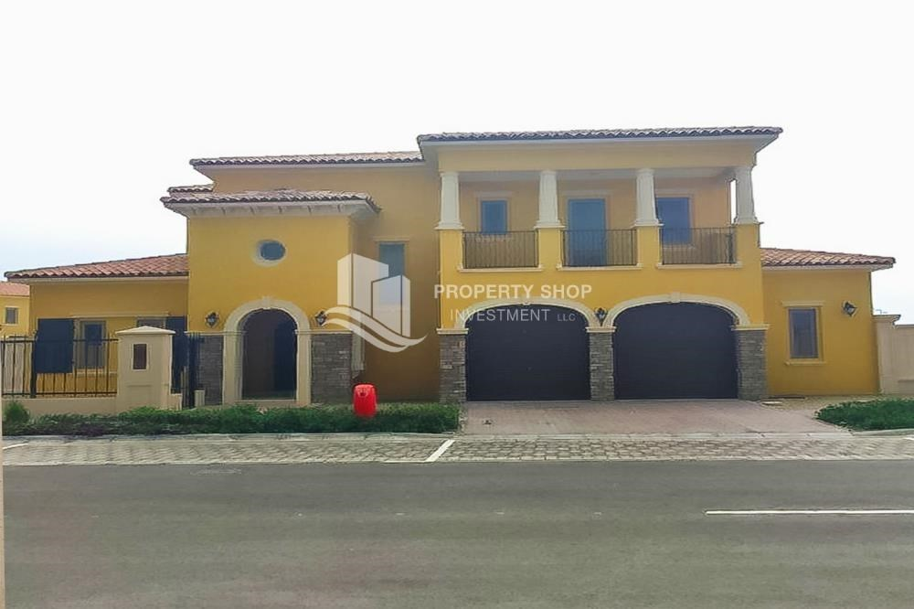 Property - Vacant, High End Mediterranean Villa with Family Room