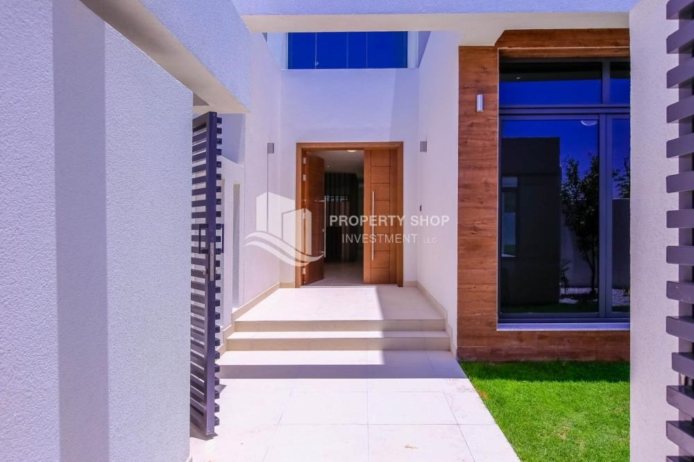 Courtyard - 5BR+M independent villa with terrace.