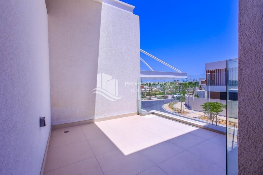 Balcony - High End Spacious Villa with Majlis