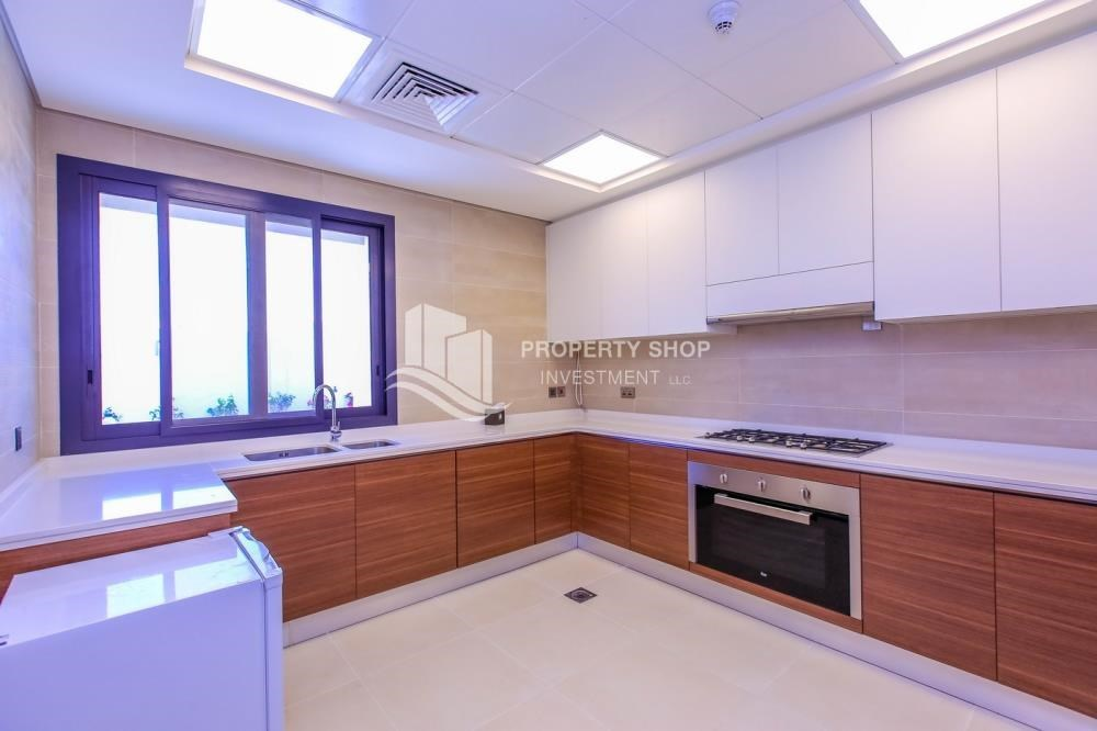 Kitchen - High End Spacious Villa with Majlis