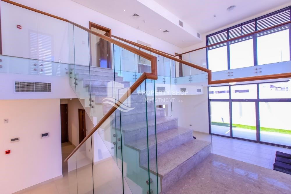 Stairs - High End Spacious Villa with Majlis