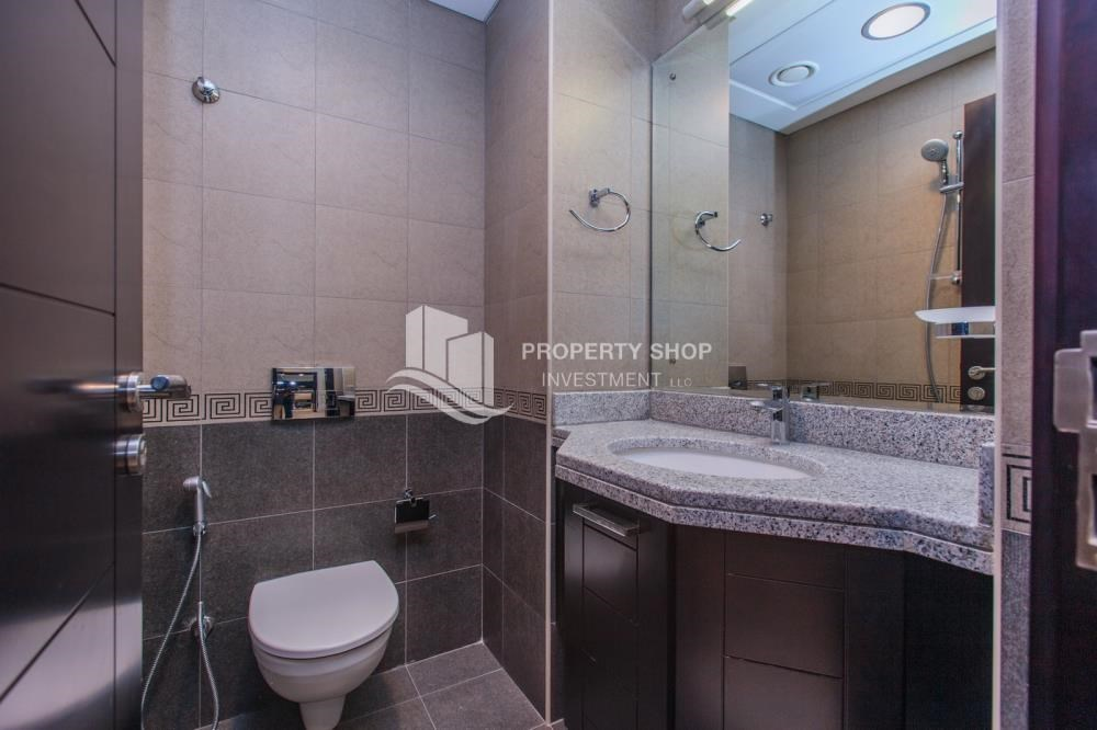 Bathroom - 1 bedroom apartment for rent