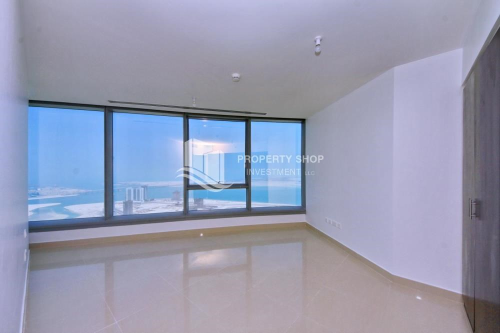 Master Bedroom - Vacant soon, High Floor Apt with Sea View