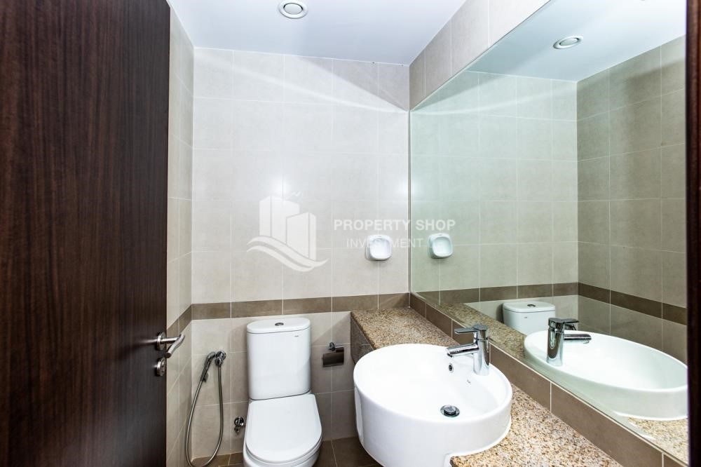 Bathroom - 1 Bedroom Apartment For Rent In City Of Lights