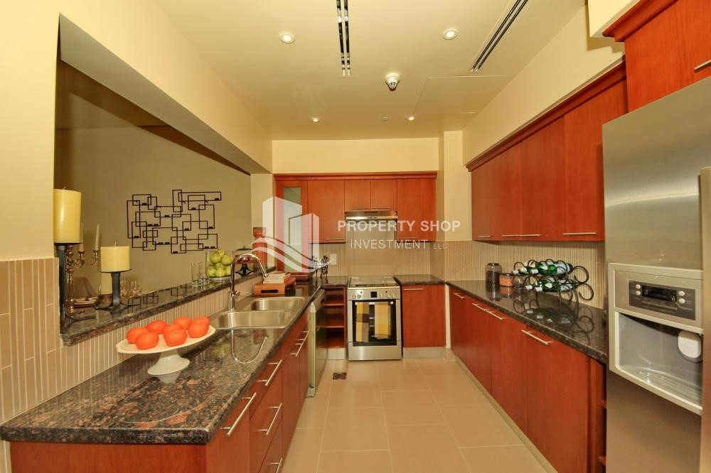 Kitchen - 2 Bedroom in Luxurious Saadiyat Beach Residence FOR RENT!