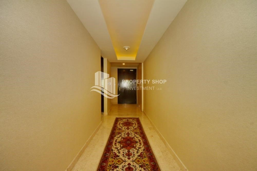 Corridor - 3+M apt with balcony and sea view.