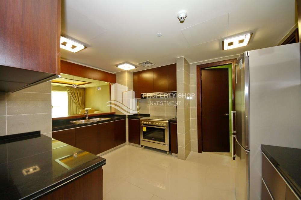Kitchen - 3+M apt with balcony and sea view.
