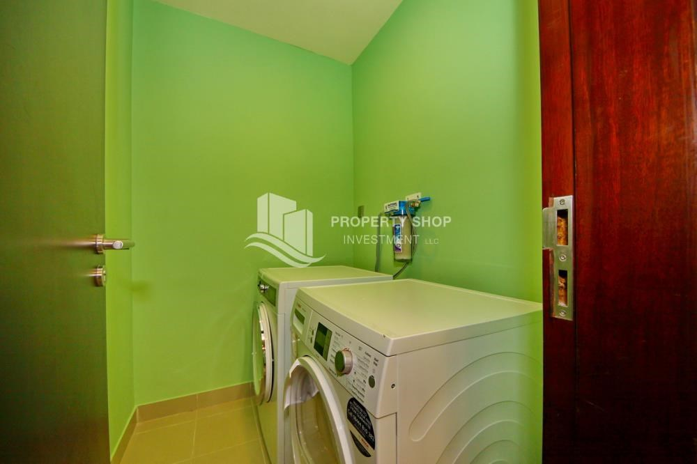 Laundry Room - 3+M apt with balcony and sea view.