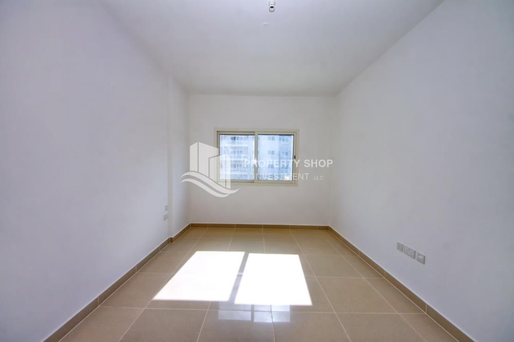 Bedroom - 2BR in Alreef Downtown available for sale!!