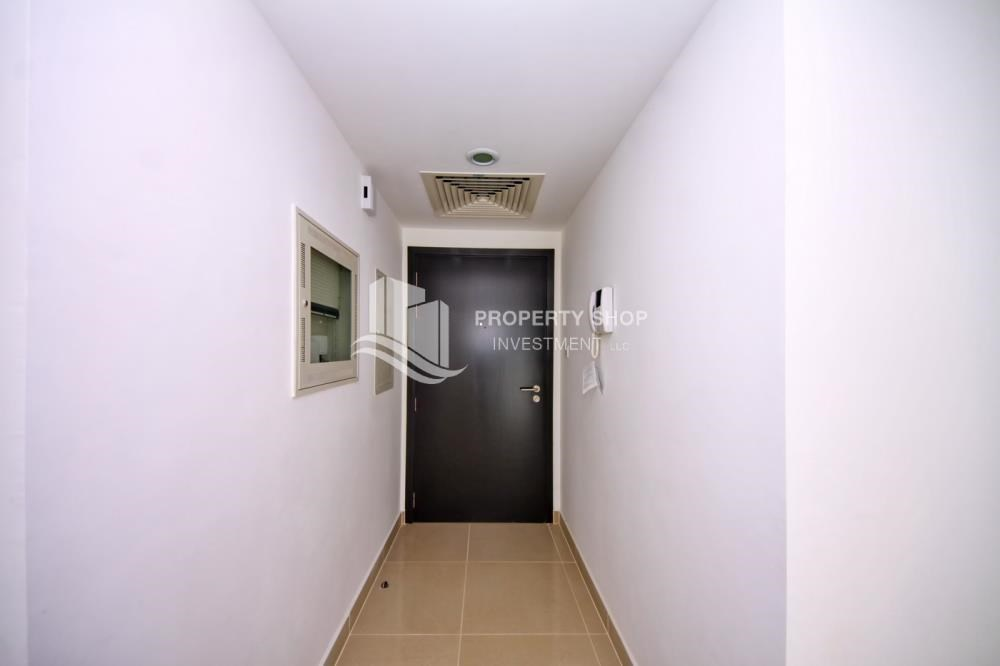 Foyer - 2BR in Alreef Downtown available for sale!!
