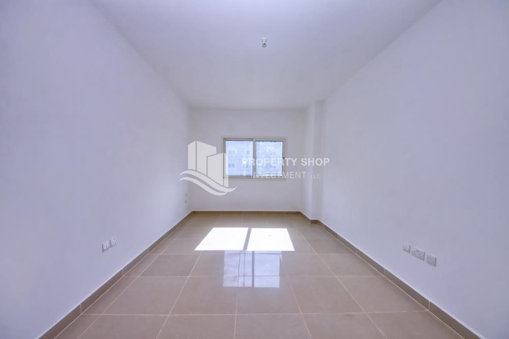 Master Bedroom - 2BR in Alreef Downtown available for sale!!