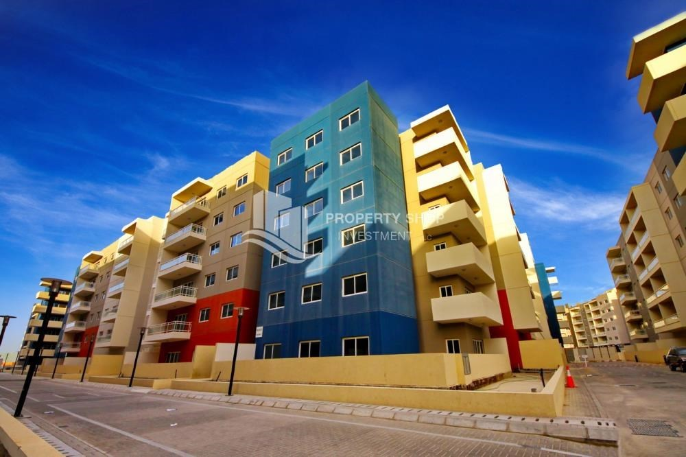 Property - 2BR in Alreef Downtown available for sale!!