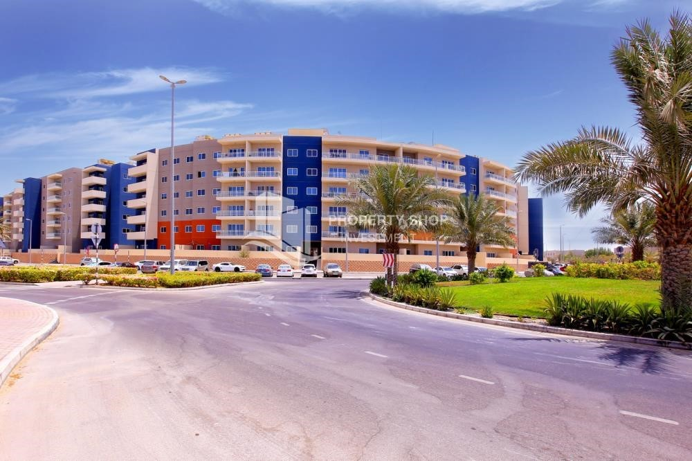 Property - Ideal 1 Bedroom apartment in Al Reef DownTown