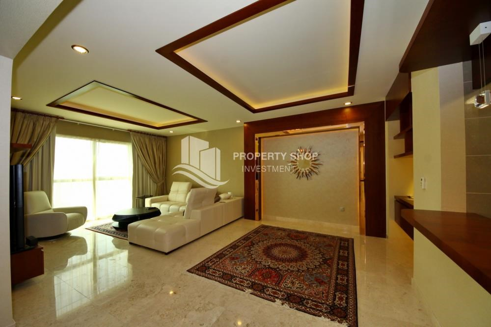 Living Room - Spacious 3+Maids Room Apt with stunning views