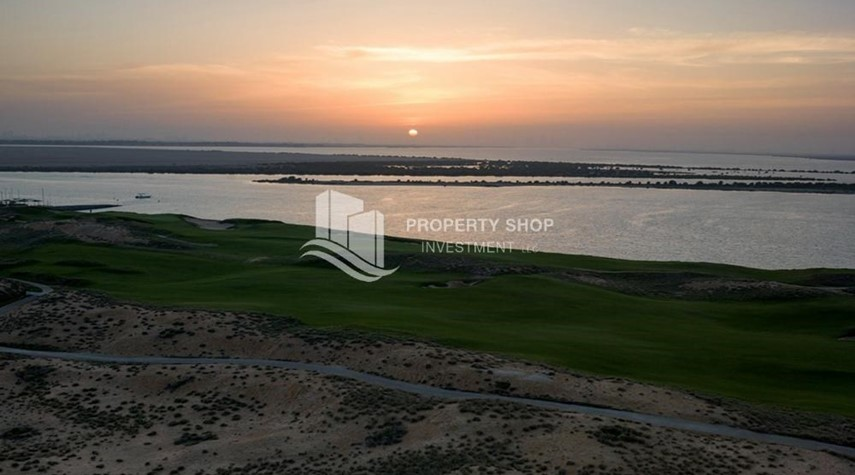 Community-No Extra Fees! Golf and sea views Beach house