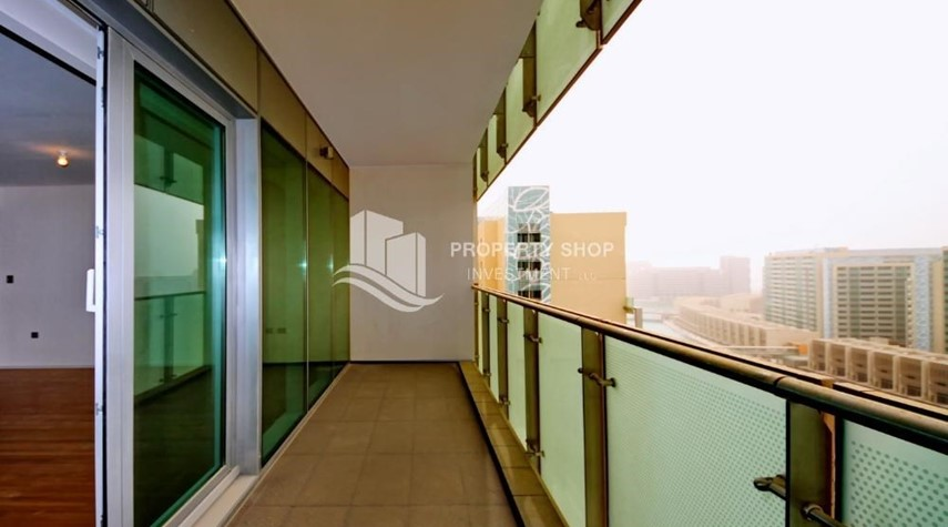Balcony-High ROI!.Huge 2BR Apartment on high floor with great facilities