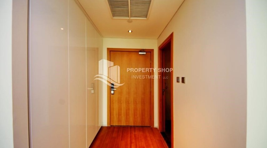 Foyer-High ROI!.Huge 2BR Apartment on high floor with great facilities