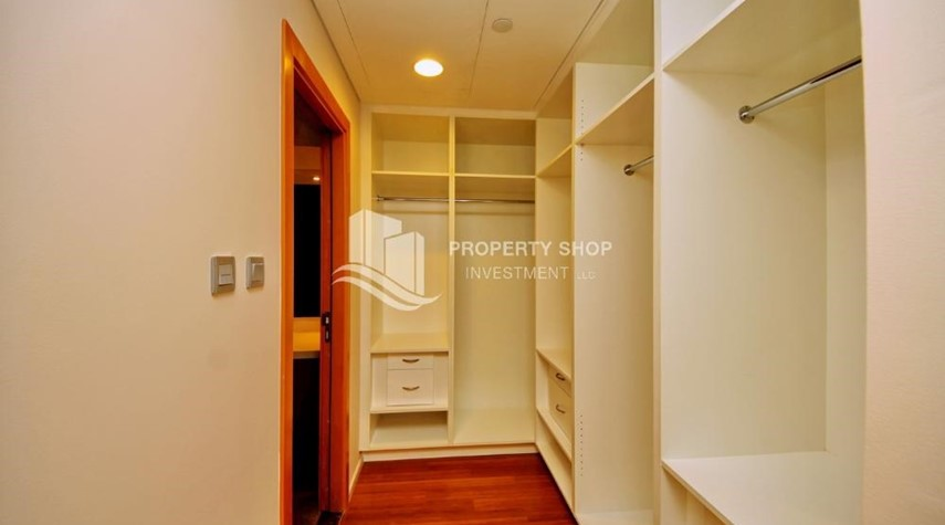 WalkIn Closet-High ROI!.Huge 2BR Apartment on high floor with great facilities